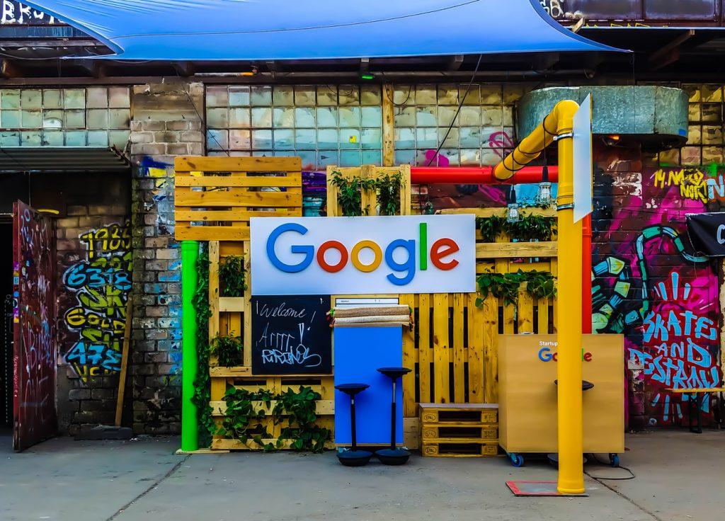 Google Logo Real